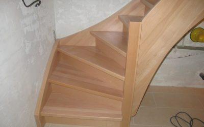بهترین چوب برای کف پله چیست