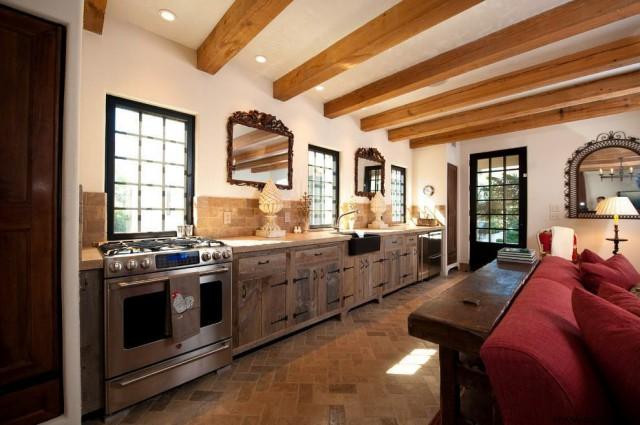 دکوراسیون آشپزخانه چوبی سبک روستیک