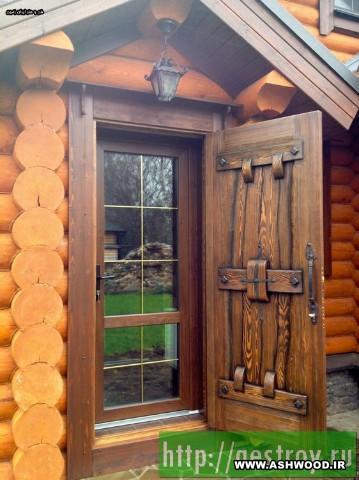 درب چوبی قلعه