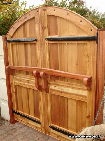 درب چوبی قلعه ، سبک روستیک چوبی
