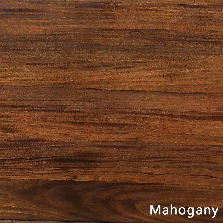 دکوراسیون چوب ماهگونی، میز و صندلی