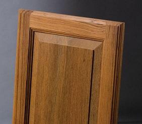 چوب زیبا و خاص Genuine Teak چوب ساج , این چوب بدلیل دوام و سخت بودن محبوب و مشهور است