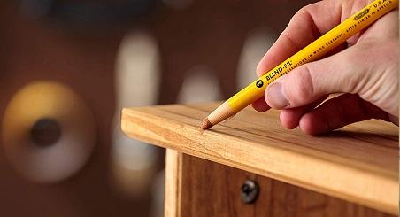 اثر و لکه رنگ خودکار و مداد روز چوب