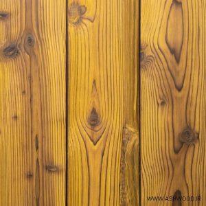 دیوارکوب روستیک با رنگ های پر جنب و جوش و شاد , دیوارکوب لمبه چوب روسی ,