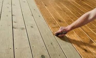 استفاده از روغن پولیش بر روی سطح چوب