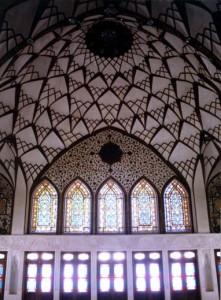 پنجرههای اُرسی خانهٔ عامریها ، کاشان Sash Windows of Ameriha House, Kashan
