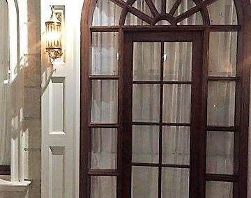 درب و پنجره قوس دار