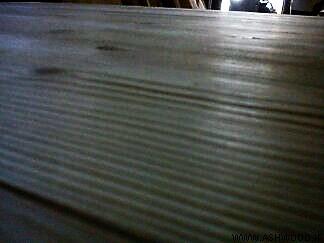 دکوراسیون چوبی مغازه بوتیک