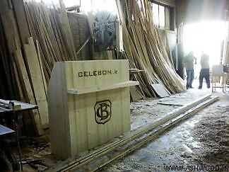 تصاویر انواع دکوراسیون مغازه با طراحی جدید و مدرن با چوب کاج روسی