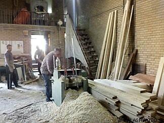 دکوراسیون چوبی طراحی داخلی فروشگاه پوشاک ، نمونه هایی از دکوراسیون مغازه