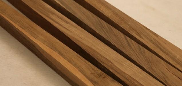 همه چیز در مورد درب های چوبی –  نمونه ای از چوب درخت گردو