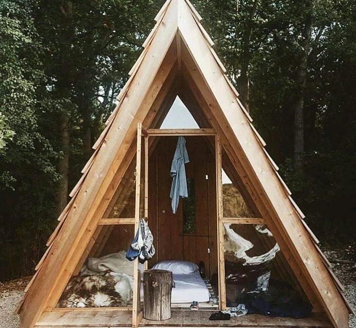 کلبه چوبی و شله های ویلایی ساخت
