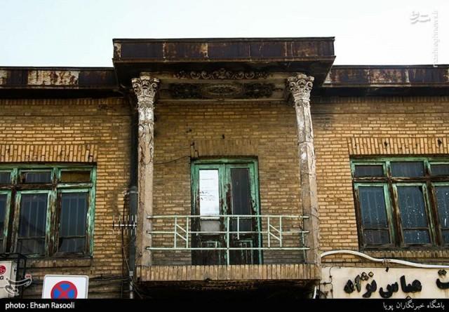 محله پامنار تهران , یک درب قدیمی , درب چوبی قدیمی