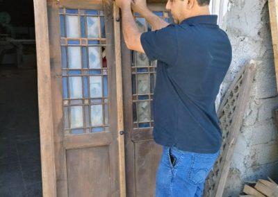 درب چوبی قدیمی , مرمت شده توسط گروه فن و هنر