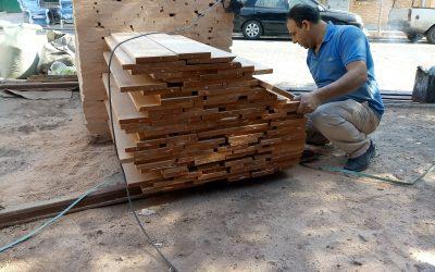 ساخت درب چوبی سفارشی.