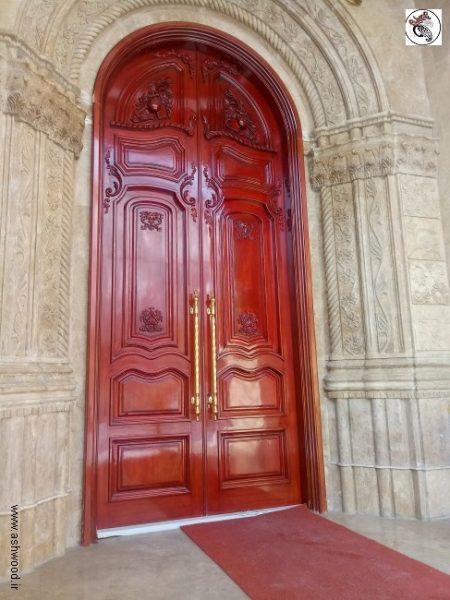 درب لابی تمام چوب قوس دار