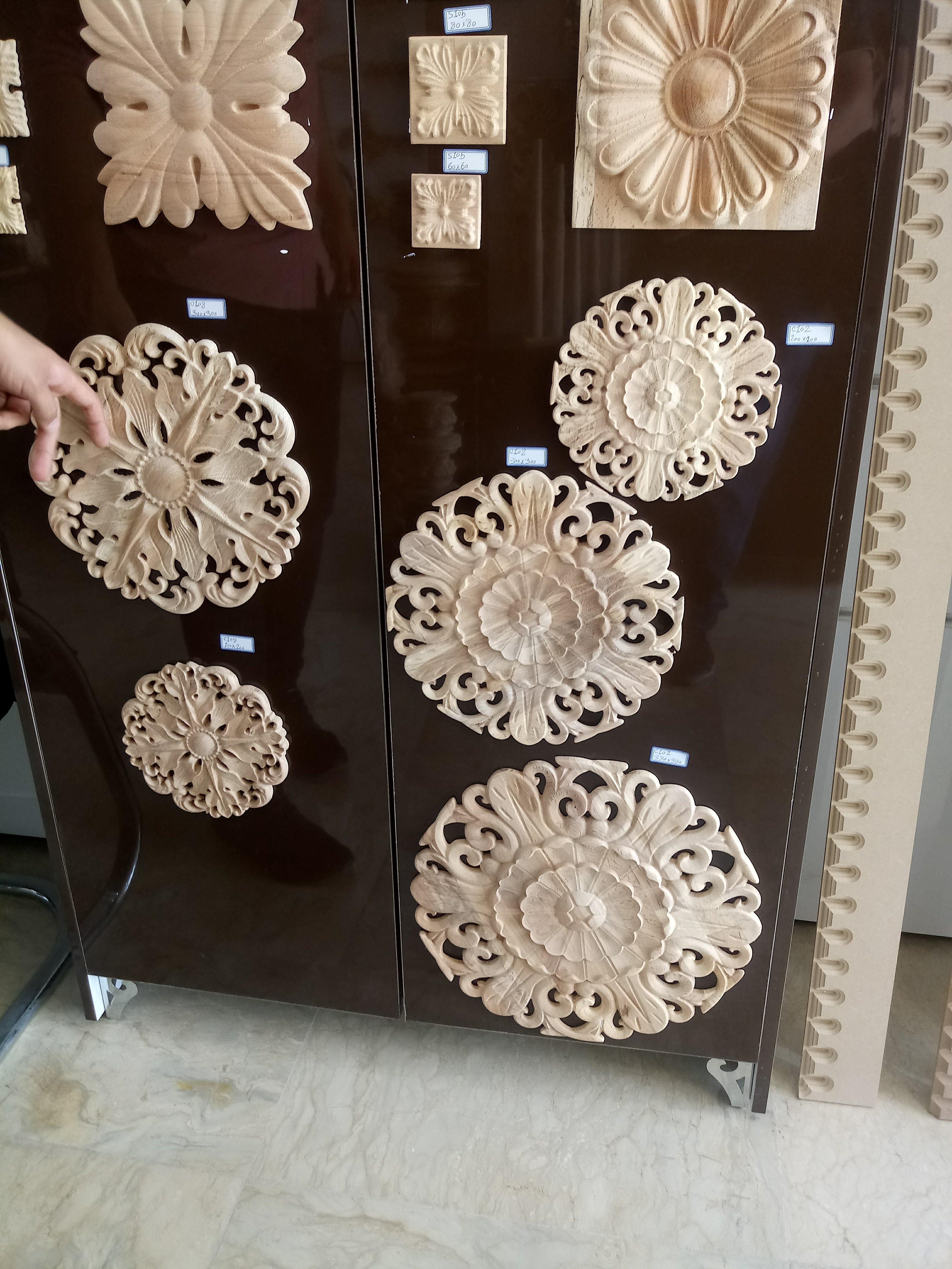 گل منبت بزرگ مناسب نقطه کانونی درب یا دیوار پذیرایی