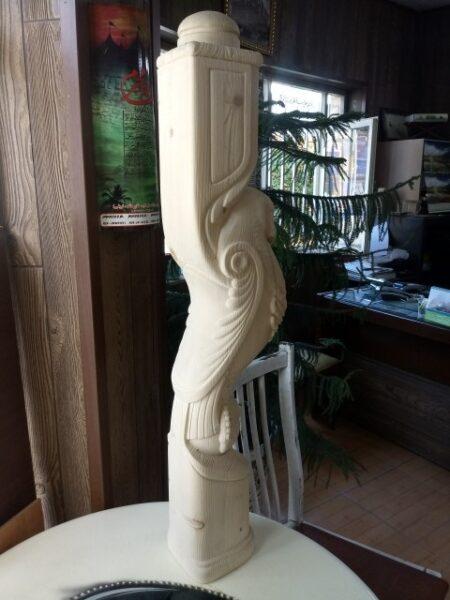 ایستگاه پله چوبی پرنده , نرده چوبی
