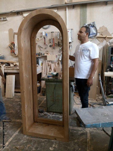پنجره قوس دار ساخته شده از چوب ترمووود , آقای اعتصامی خیابان ایران