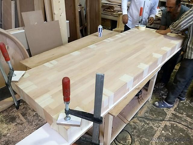 صفحه میز بار ساخته شده از پانل فینگر جوینت چوب راش