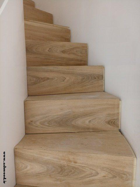 کف پله چوب بلوط پله کان ویلای ناظری