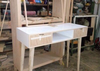 میز کنسول چوبی با قاب آینه