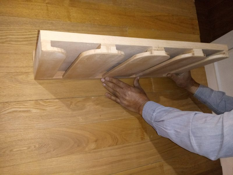 جا گیلاسی , عکس میز بار چوب راش , نمونه کار دکوراسیون چوبی