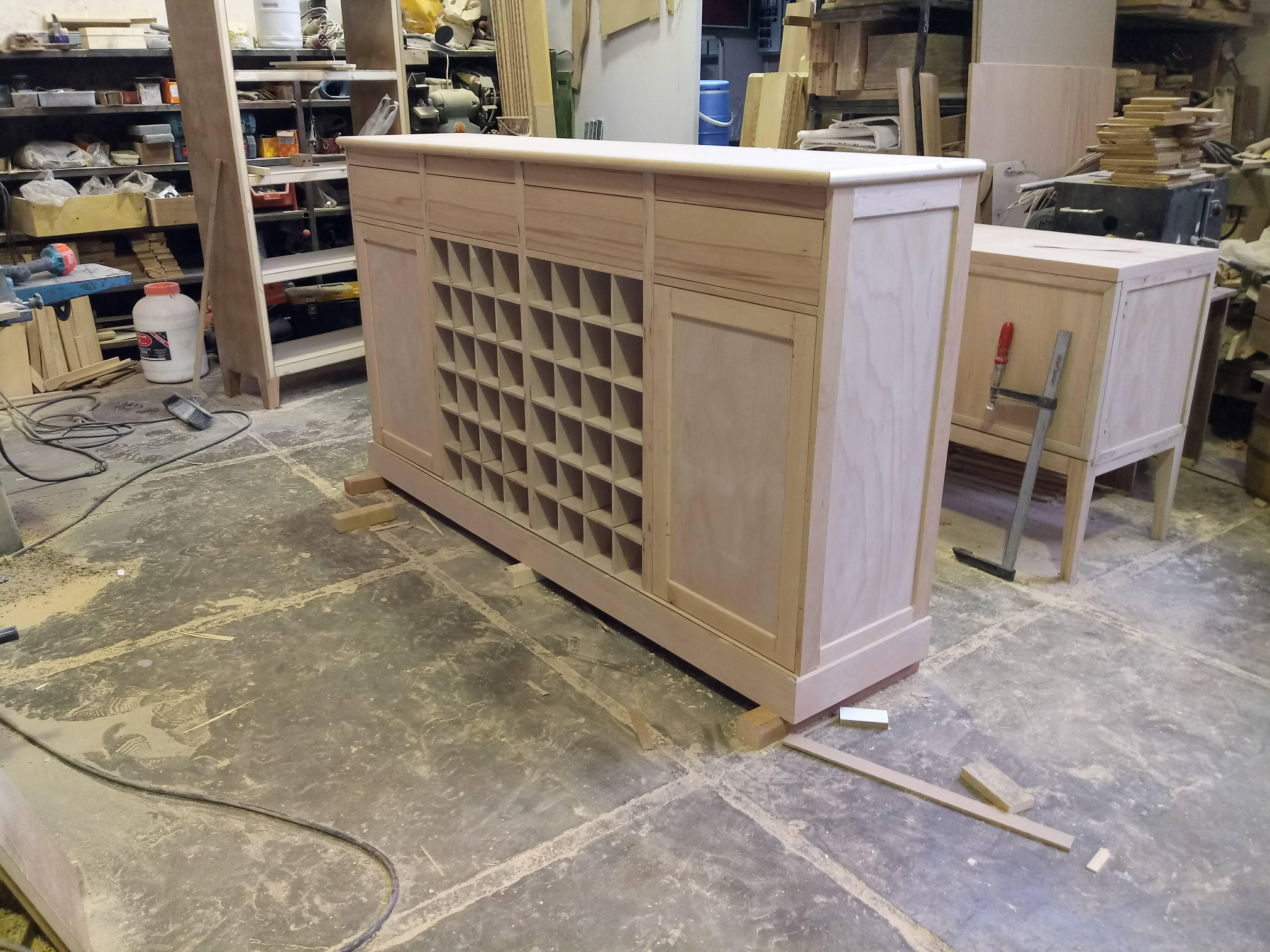 عکس میز بار چوب راش , نمونه کار دکوراسیون چوبی