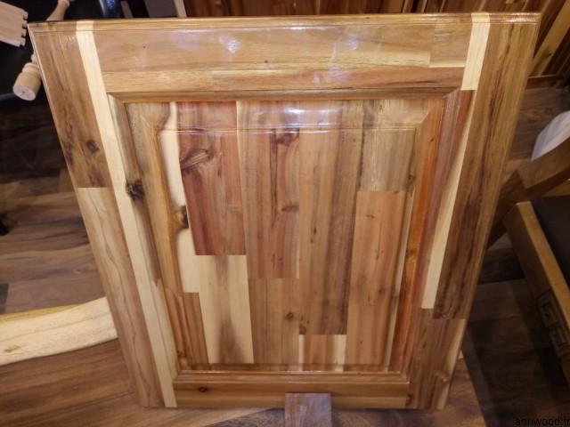 درب کابینت آشپزخانه ساخته شده از پانل های فینگر جوینت , رابروود , بلوط , چوب راش , اکاسیا