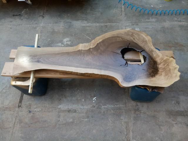 اسلب چوب گردو , برش پرداخت و ساب و لاک به سفارش مشتری از یزد