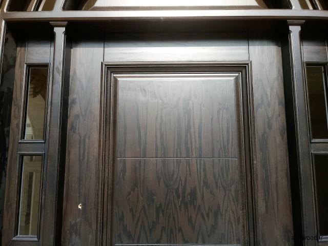 درب ورودی ساختمان روکش چوب بلوط