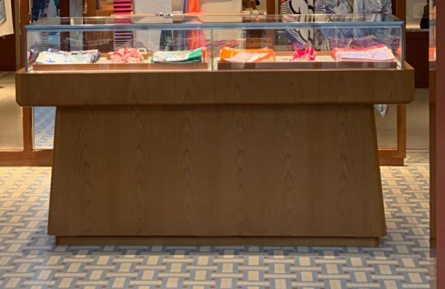 میز پیشخوان بوتیک