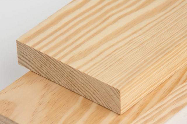 فروش چوب کاج روسی بصورت خشک شده