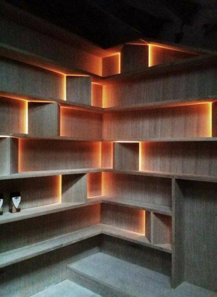قفسه کتاب و. کتابخانه