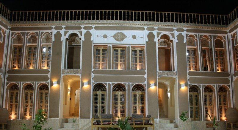 بزرگترین رستوران سنتی مبله کشور در یزد