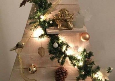 دکوراسیون کریسمس، تزیینات دلبرانه جشن کریسمس سال 2019 , کریسمس و سال نو دکوراسیون , درخت چوبی کریسمس