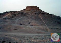 استودانی در یزد؛ یزد، دیدنی های یزد، آثار باستانی یزد