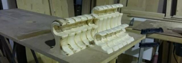 نگهدارنده چوب های گرد که برای آویز روسری و شال استفاده می شوند