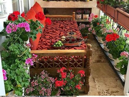 تخت سنتی چوبی