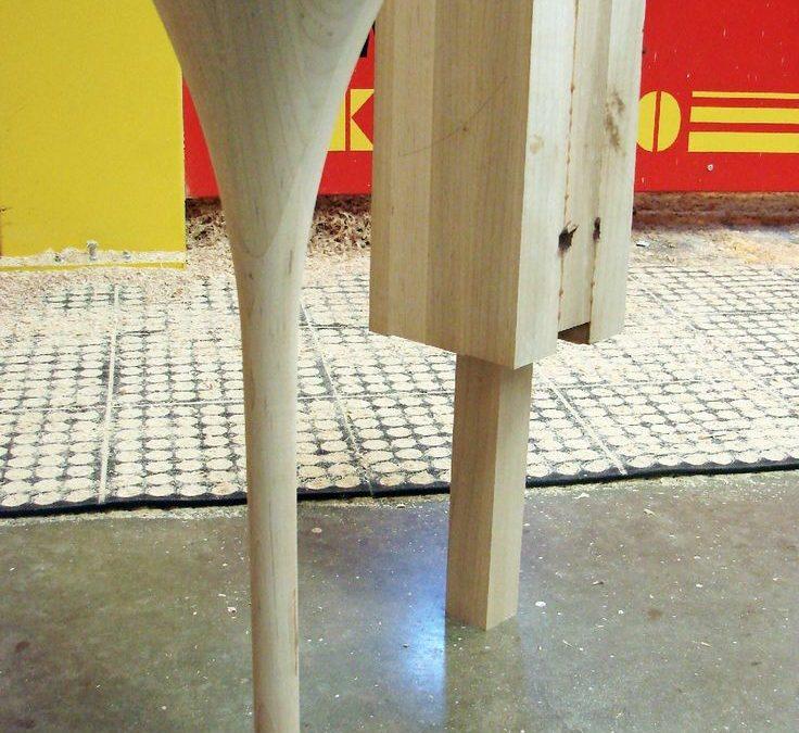 میز چوبی جلو مبلی ,پایه خراطی چوب راش