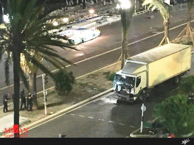 حمله کامیون به ازدحام جمعیت در نیس فرانسه با 130 کشته و زخمی