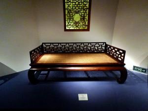 نیمکت دوره مینگ در موزه شانگهای