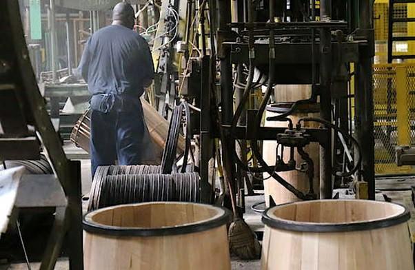 ساخت بشکه چوب بلوط