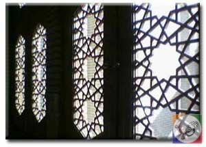 گره چینی درب و پنجره چوبی