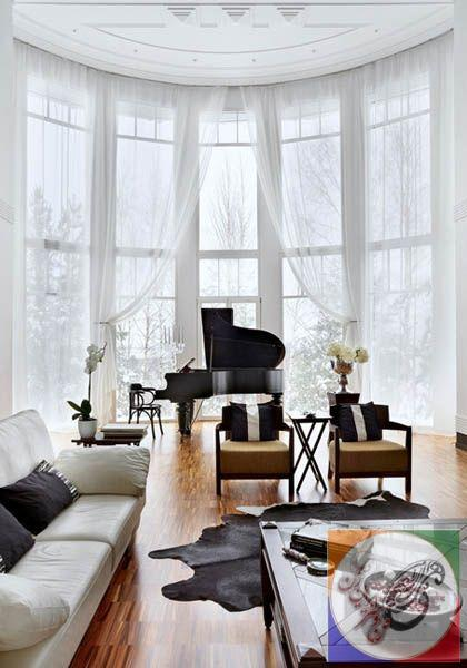 It would be amazing to have the piano by bay windows