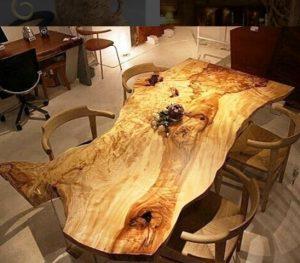 میز ساخته شده از تنه درختان