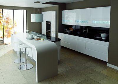 دکوراسیون آشپزخانه , کابینت, درب , رنگ و رزین پلی استر , درب کابینت سبک کلاسیک و مدرن چوبی