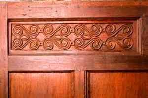 قرنیز ، فریم پرده ، قاب دور درب چوبی ، لمبه چوبی دکوراسیون چوبی