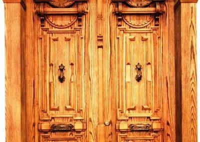 هنرهای زیبای چوبی در ساخت درب های ورودی و قدیمی تمام چوب