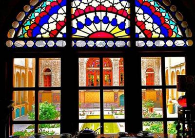 پنجره ارسی عمارت مسعودیه تهران